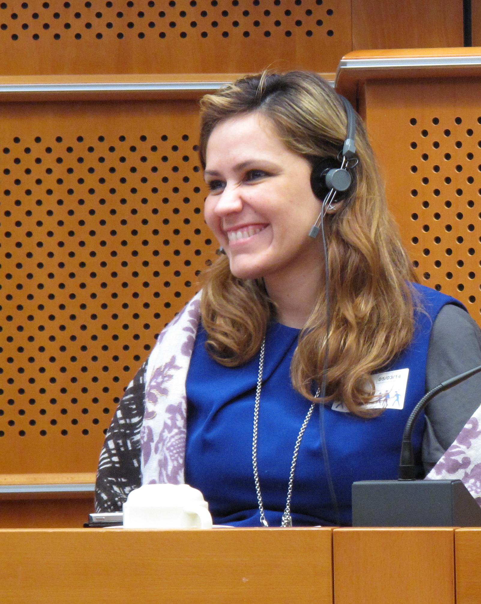 Bruselas, Mariela Gómez Ponce, Conferencia, Comunicación